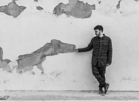 """""""Carezze"""" è il nuovo singolo del cantautore pugliese Daniele Vino prodotto da Molla per Amarena Records / Metatron Group"""
