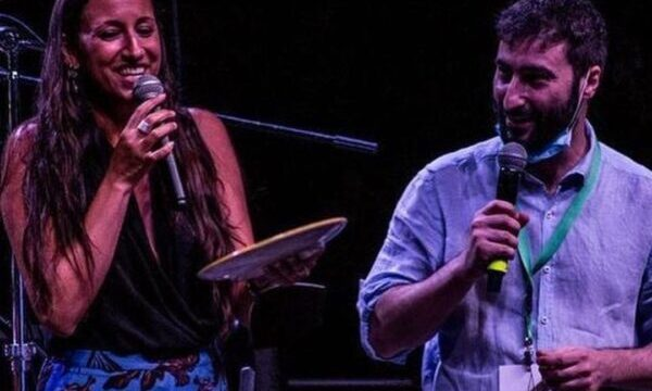 La cantautrice umbra Sara Marini vince la quindicesima edizione del Premio Botteghe d'Autore, ad Albanella